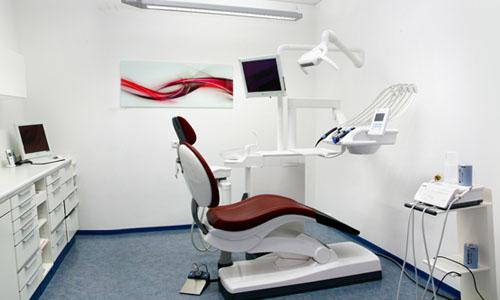 Behandlungzimmer 03